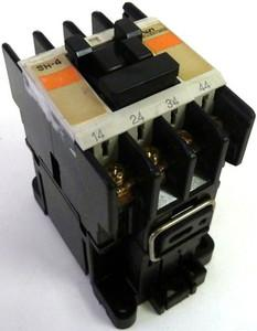 SH-4 INDUSTRIAL RELAY 3NO 1NC 110VAC product photo
